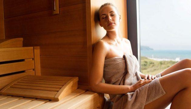 Frau in Sauna aja Warnemünde