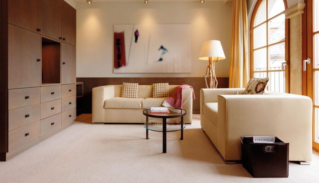 A-ROSA Kitzbühel Kaiser Suite Wohnzimmer
