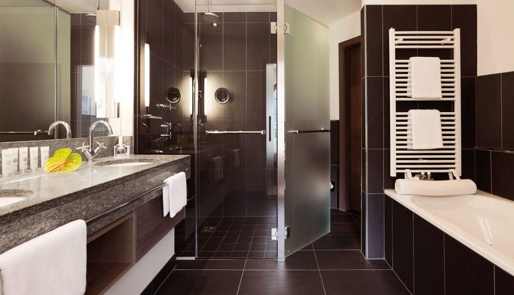 A-ROSA Kitzbühel Suite Badezimmer