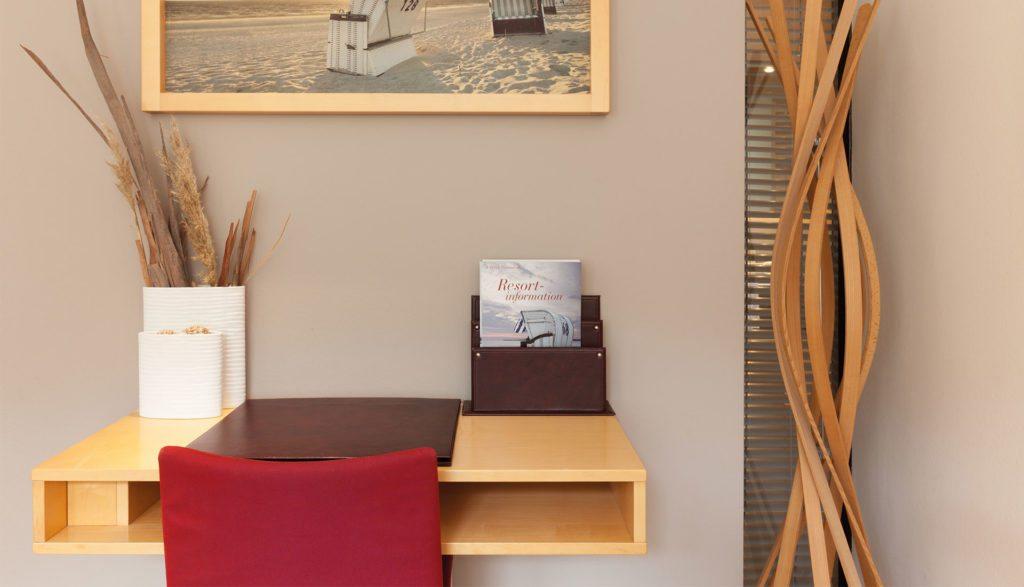A-ROSA Travemünde junior Sutie Schreibtisch