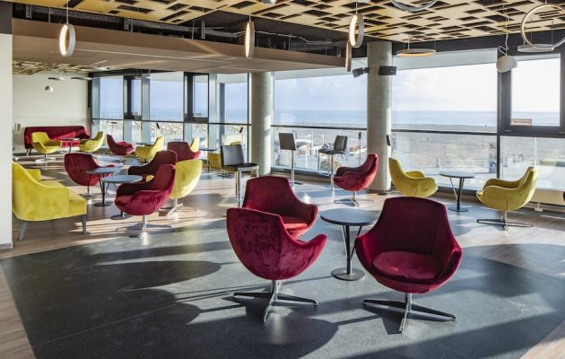 a-ja Travemünde Lounge mit Panoramablick