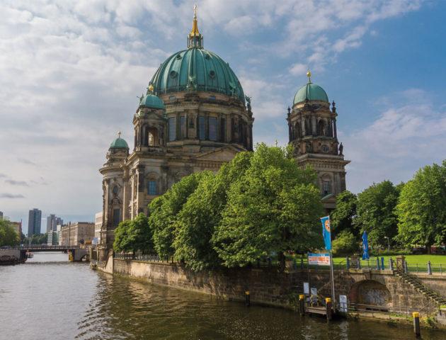 Berlin Kirche Fluss
