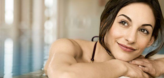 Frau im Pool - A-Rosa Sylt