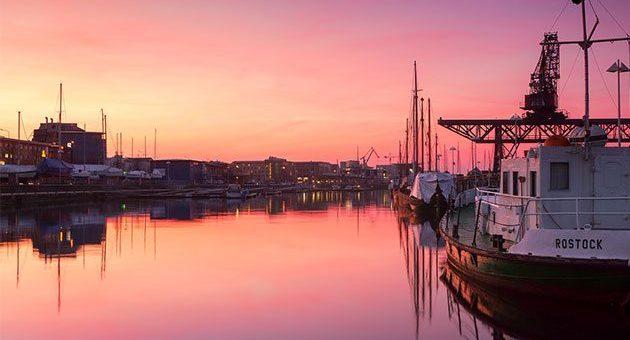 Rostock Hafen Abendsonne