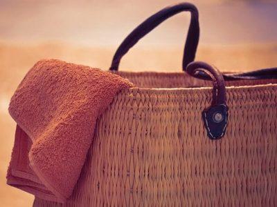 Strandtasche mit Handtuch